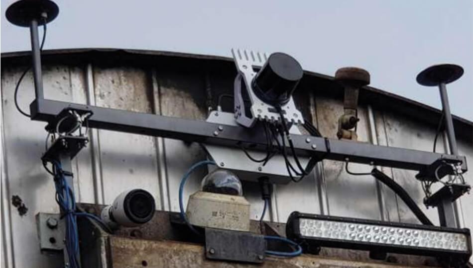 A Cordel LiDAR scanner installed on rail car